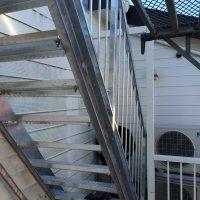 亜鉛メッキ階段に交換